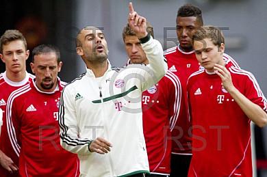 GER, 1.FBL,  Erstes Training mit Pep Guardiola